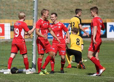 905b1d11 Fjøra snudde i dag 0-2 til seier 4-2 i bortekampen mot Florø 2. Bildet er  frå seieren borte mot Eid på Eid Stadion 2. juni.