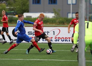 f0504497 Håvard Kroken scora to mål i dagens 5-0 seier mot Bremanger. Sjå bilder og  fakta frå denne kampen.