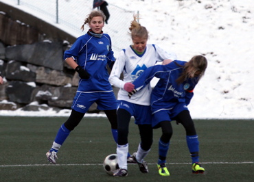 495d7a3b Elsa Nesse i kretskampen mot Nordmøre og Romsdal FK 8. januar. Sjå bilder  og fakta frå kretskampane laurdag 7. januar.