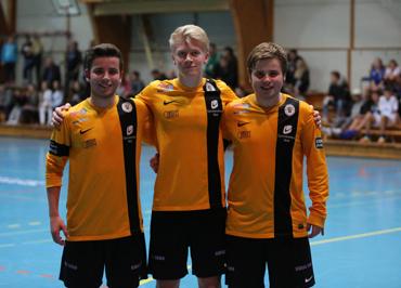 5e1cffd0 Eidarane Simen Lefdal, Vebjørn Høynes og Kristian Lefdal var med på laget  Tiki-taka som kom på tredjeplass i årets Tussa Cup i Voldahallen.
